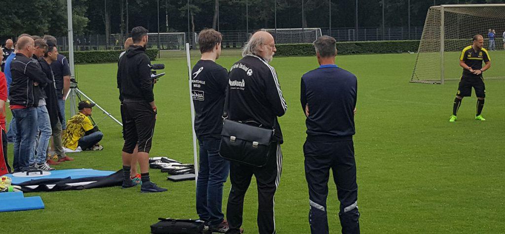 30 Torwarttrainer waren ständig bei Marco Knoop und Christian Lasch