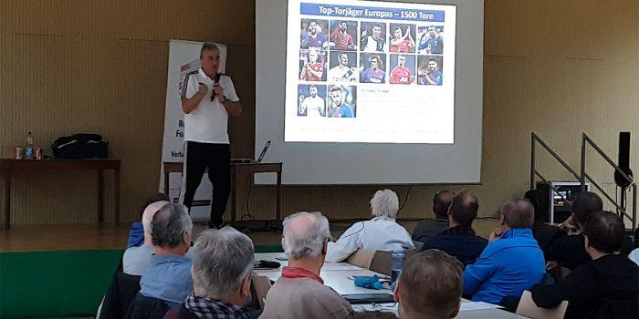 Peter Schreiner referiert auf BDFL Trainerfortbildung – Individualtraining für Stürmer